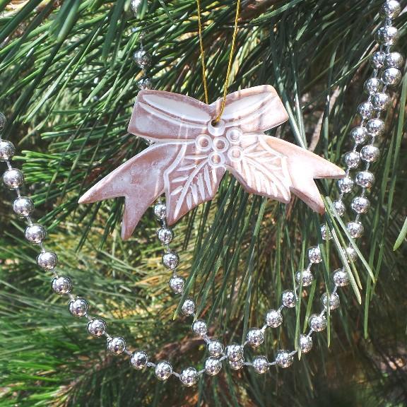 Christmas Decoration - Bow & Holly