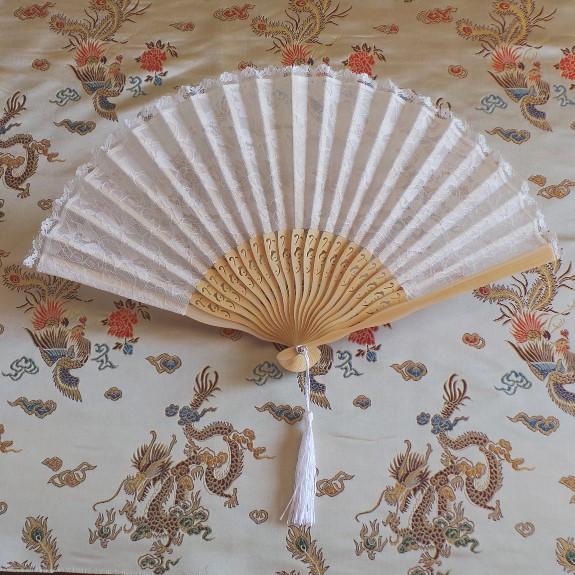 Fan: European Style - White Lace