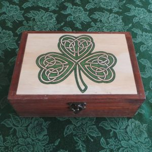 Celtic Keesake/Jewellery Box - Irish Shamrock: Natural/Green/Brown