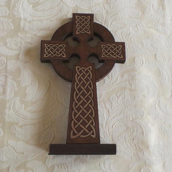 Celtic Cross - Free-standing: Brown & Cream