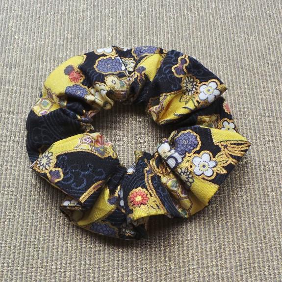 Oriental Style Scrunchie  - Black/Yellow