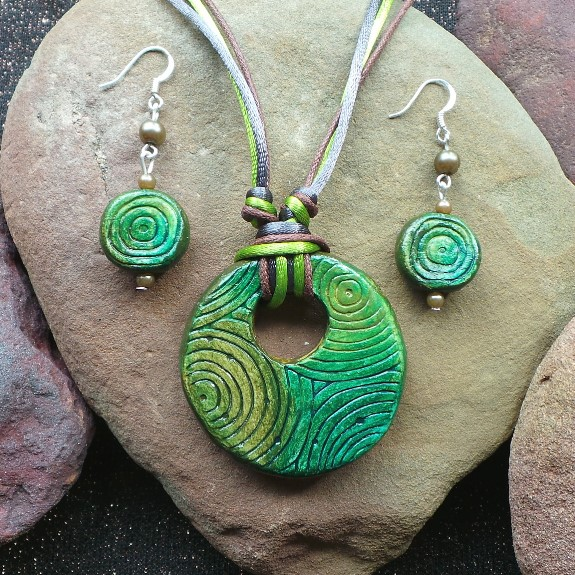 Spirit of Australia – Ancient Forest  Necklace & Earring Set: Forest/Green