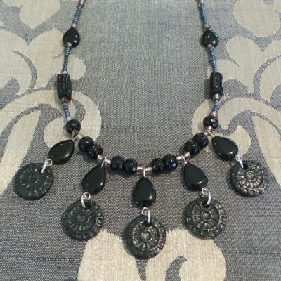Paris Inspiration Choker & Earrings Set - Black