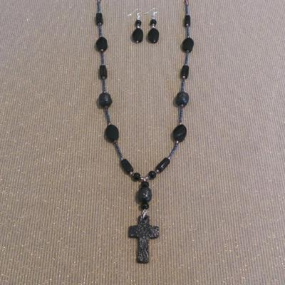 Paris Inspiration Necklace & Earring Set - Black