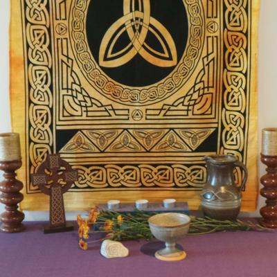 Altar Cloth, Celtic Trinity - Yellow/Black